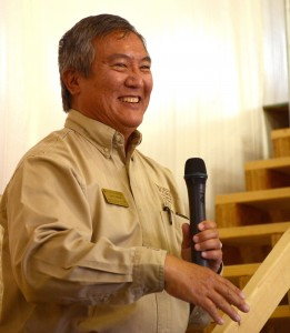 John Tanaka, associate director of the Agricultural Experiment Station during introductions.